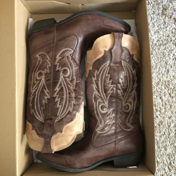 Coconuts by matisse boots/new